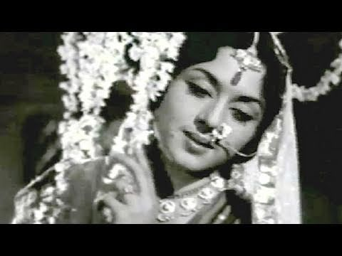Dekhiye Yoon Na Sharmaiyega - Mukesh, Usha Khanna, Bindiya Song