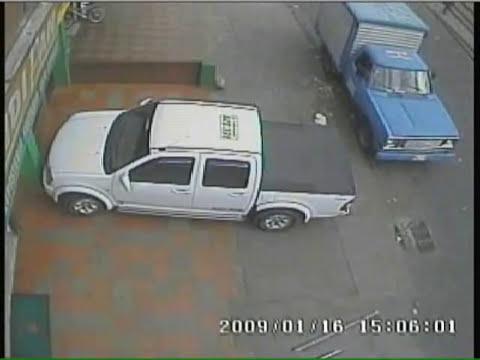 Cámara de seguridad captó nueva modalidad de robo.