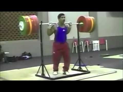 How Weightlifters Train Image 1