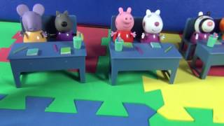 Peppa Pig at school learning the animal sounds
