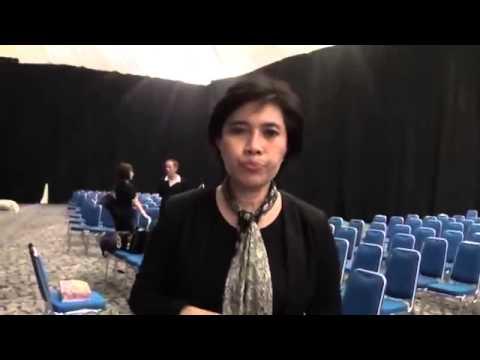 Download Indah Kurnia Public Speaking Mp4 baru