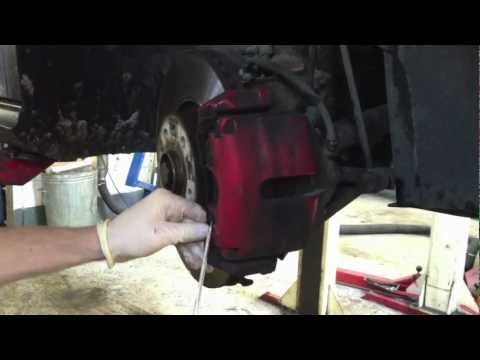 Replacing VW Golf Mk5 front brake pads and discs -