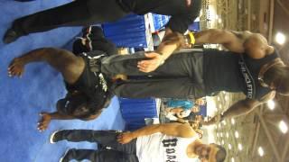 HULK (Team BOAD) does HULK-UPs with IFBB Pro Johnnie Jackson (Team Muscle Tech).MP4