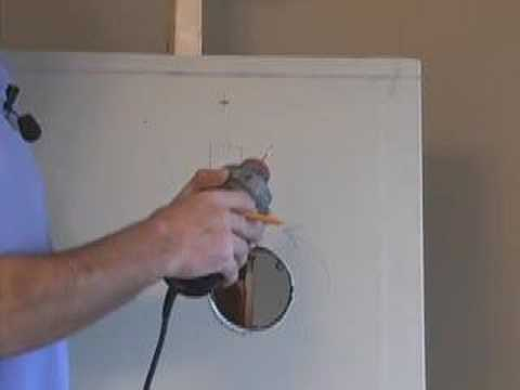 CUTTING DRYWALL PART 3-  ROTO  ZIP  (CC)