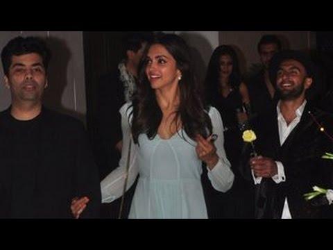 Ranveer Singh PROPOSES to Deepika Padukone in PUBLIC | WATCH VIDEO