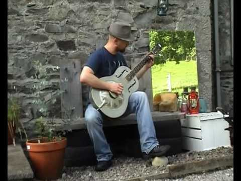 Feelin' Bad Blues - Ry Cooder (cover) Busker Delta Resonator Guitar Blue Diamond Bottleneck