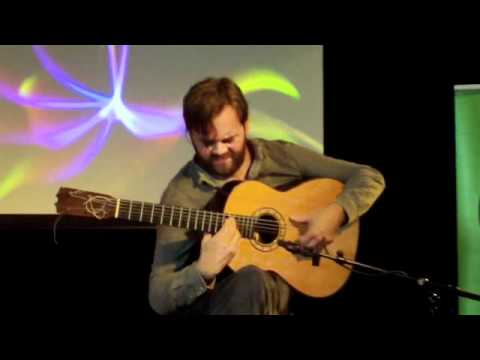 Flamenco gitarist Myrddin tijdens World Blend Café