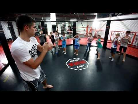 Тренировки по кикбоксингу для детей!