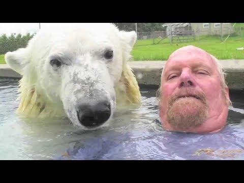 E114 俄羅斯酷大叔,把北極熊當寵物,玩得很開心