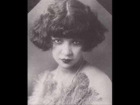 Lillian Harris w/ the Original New Orleans Jazz Band Mama's Got The Blues (BANNER 1212) (1923)