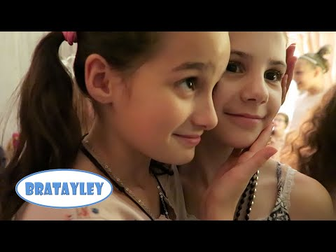 It's a Happy New Year, Not a Sad New Year | New Year's Eve 2015 (WK 261.2) | Bratayley