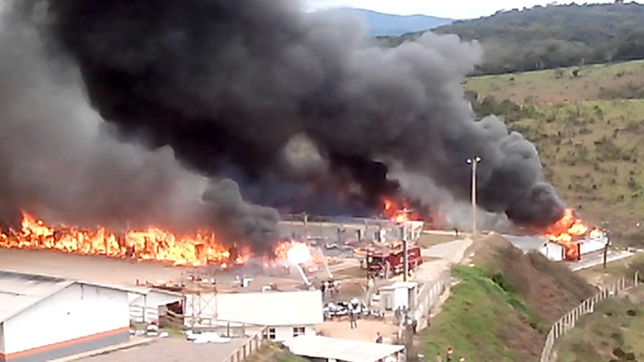 Papel De Parede Adesivo Herois ~ Incendio nos alojamentos da montcalm em Conceiçao do Mato Dentro YouTube