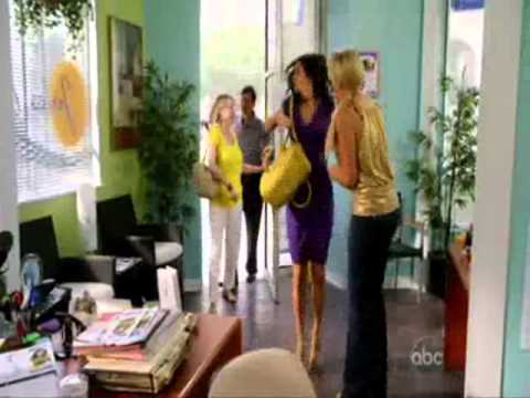 Cougar Town: Laurie & Jules dance