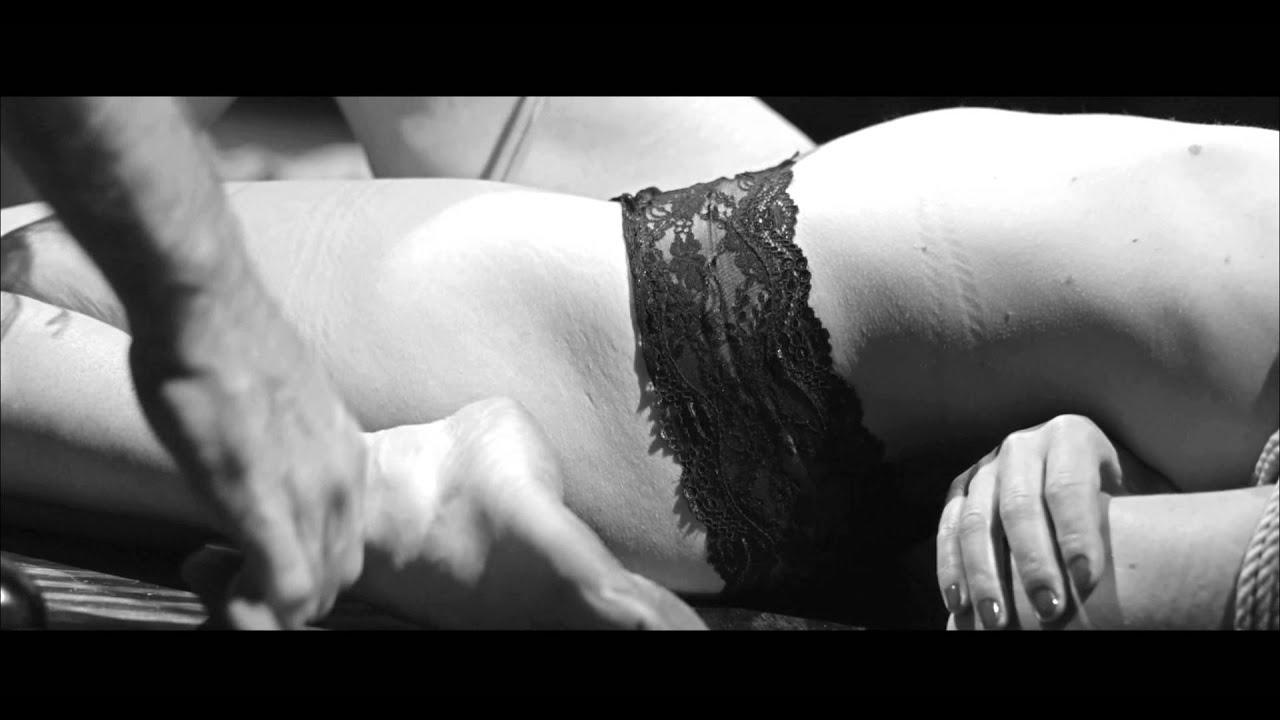 naked asian girls booty