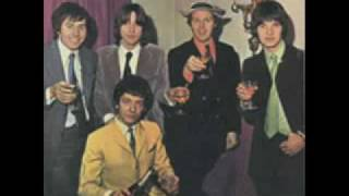 Watch Hollies Put Yourself In My Place video