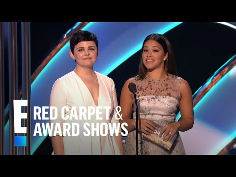 Ginnifer Goodwin and Gina Rodriguez present at Peoples Choice Awards 2015