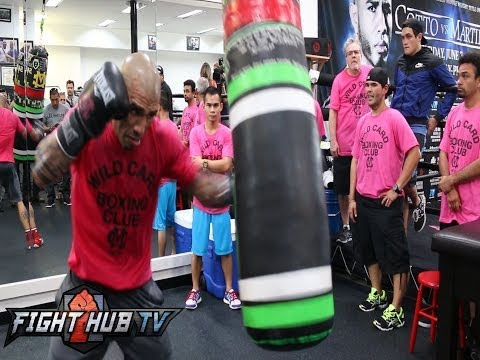 Cotto vs. Martinez: Miguel Cotto full media workout video + Mitts & Bag work