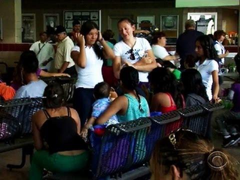 Flood of immigrant children strain Arizona holding center