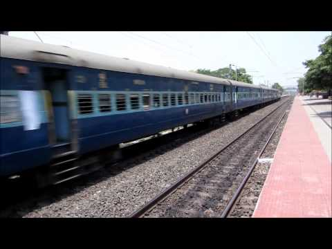 Hwh Wap 4 12353 Lalkuan Sf Exp Burns The Station video