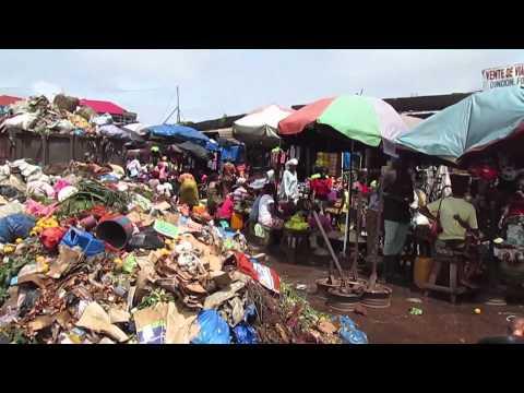 Insalubrité à Conakry: Un tas d'ordures au marché Sonfonia