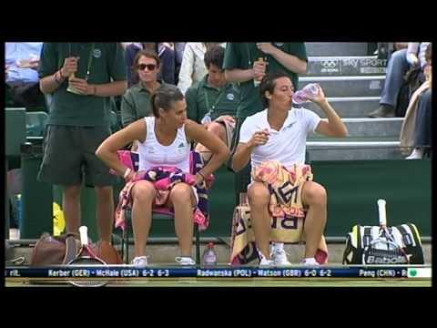 Wimbledon 2012: Francesca Schiavone polemizza con il giudice di sedia.