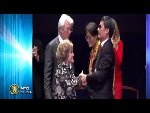 China News Broadcast, January 30, 2013: Chen Guangcheng Receives Lantos Rights Award
