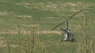 Raw- Small Aircraft Lands on Capitol Lawn