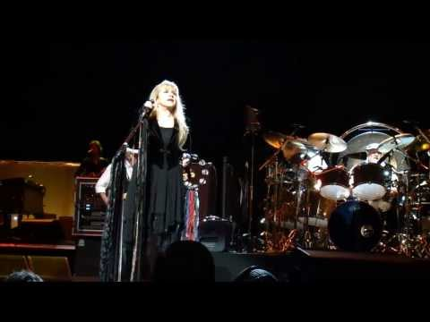 1 Second Hand News FLEETWOOD MAC Live Pittsburgh Pa. 4-26-2013 CLUBDOC UP FRONT Consol Energy Center