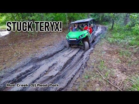 Honda Rubicon Saves Stuck Kawasaki Teryx