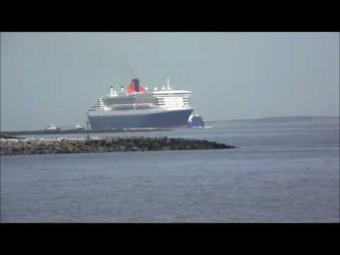 RMS Queen Mary 2 - River Mersey (HD)