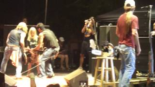 Download Lagu Jackyl - Lumberjack w Michael Ballard and 10yr old guitar player Andrew - Live Gratis STAFABAND