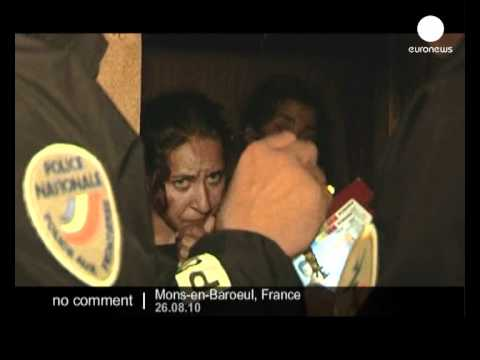French police raids an illegal Roma camp - no comment