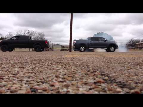 08 Nissan Titan vs 08 Toyota Tundra tug o war