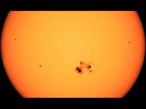 Biggest Sunspot in +10 Years | S0 News October 24, 2014