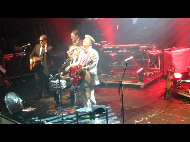 Squeeze - Take me I'm yours - Bournemouth O2 23 November 2012