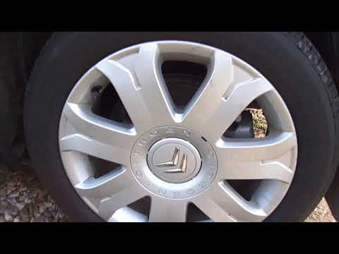 2009 Citroen C4. Start Up, Engine, and In Depth Tour.