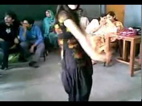 Pakistani Girls School Dacne Prepairng For School Show video
