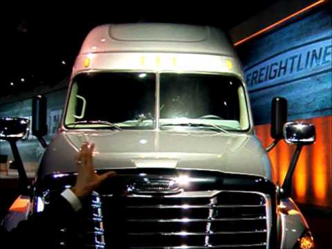 2014 Freightliner Cascadia >> Freightliner's 2014 Cascadia Evolution - YouTube
