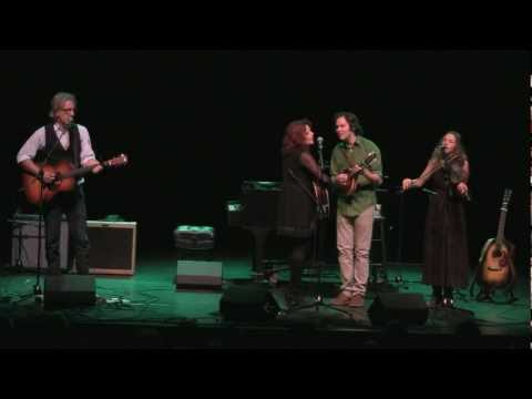 Rosanne Cash & Mandolin Orange - Bury Me Beneath The Weeping Willow