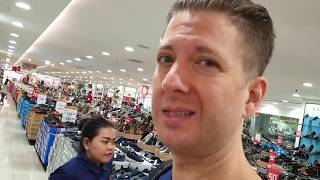 Mall Shoe Shopping in Jakarta Indonesia: Can an American find size?
