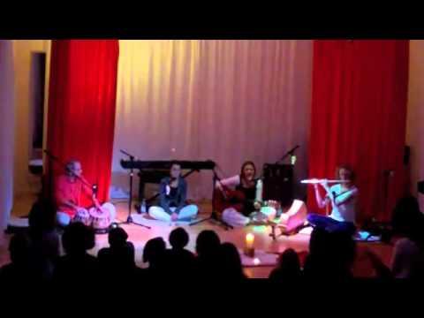 Ek Onkar Satnam-Sang by Foreigners-Gurbani Shabad