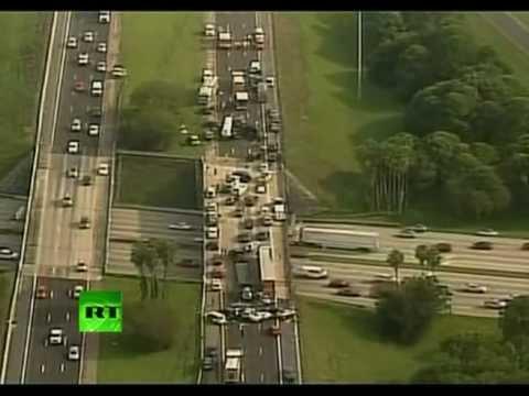 46 автомобилей столкнулись на трассе в США