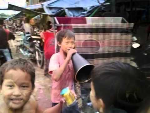 Cambodia Phnom Penh street preach   Pastor David Choi    Jesus is coming ....