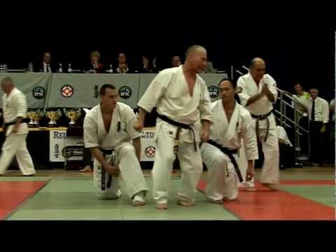 2008 Kyokushin Karate Hanshi Steve Arneil Kata Demo + Shihan Alex Kerrigan Baseball bat break Image 1