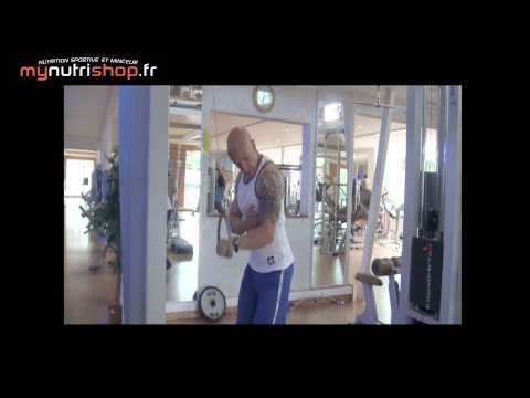 Exercice musculation triceps poulie pronation