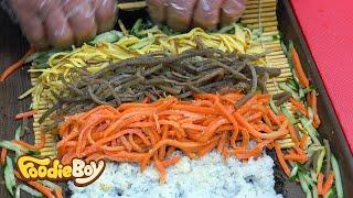 Super Size Wasabi Tuna Kimbap / Korean Street Food / Sokcho Central Market, Sokcho Korea