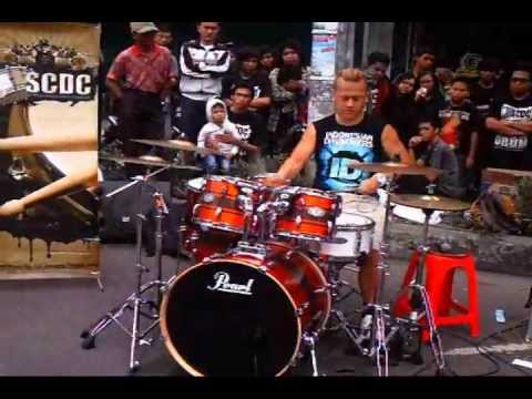 Drum Coaching Clinic On The Street With Sandy Andarusman (pas Band) video