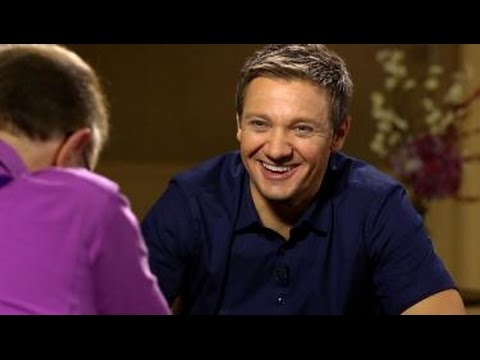 Jeremy Renner  on