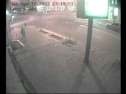 Пьяный гонщик протаранил такси и сбежал