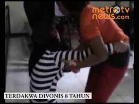 Ibu Rt Cabul Pingsan Usai Divonis video